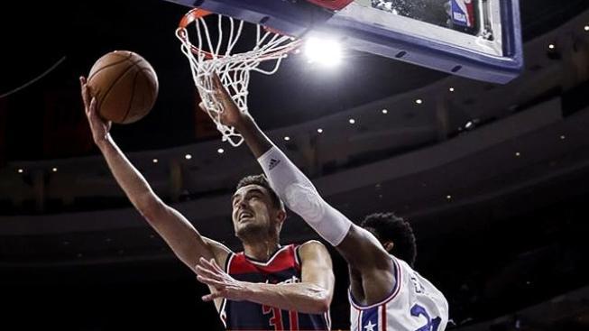 Rozehrávač Tomáš Satoranský neskončil na lavičce ani v zápase proti New York Knicks