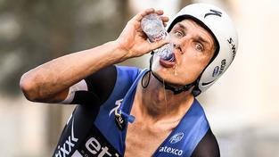 Cyklisté si na šampionátu v Kataru stěžují na nesnesitelné vedro