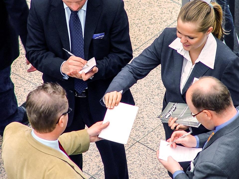 Brzo se dozvíte kolik berou vaši kolegové, tajemství výše platu zmizí