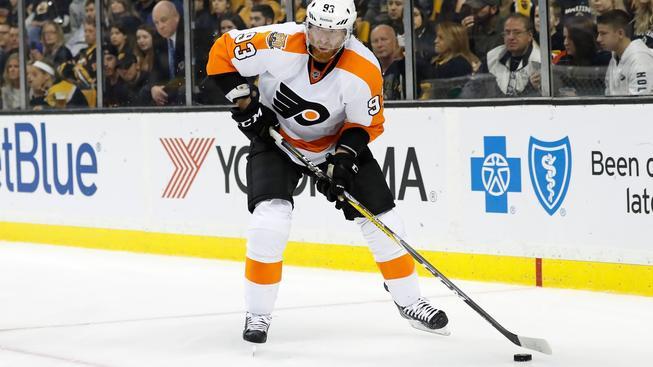 Nejdražší českých hráč v NHL Jakub Voráček si připsal v zápase s Carolinou tři body
