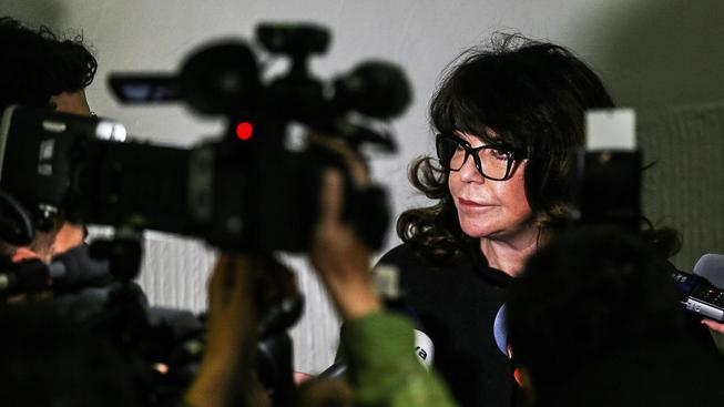 Vnučka Ferdinanda Peroutky Terezie Kaslová vymáhá po Hradu omluvu prostřednictvím exekutora