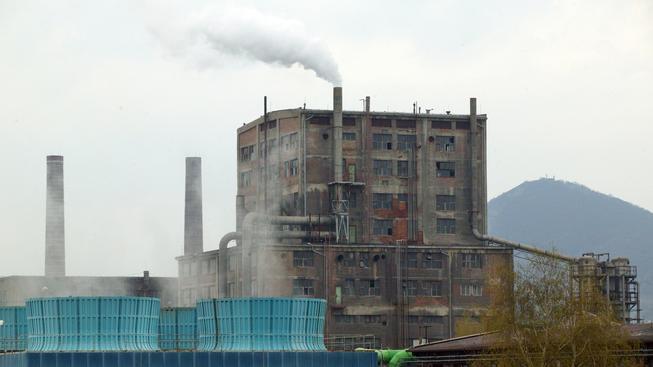 Že Lovochemie znečišťuje ovzduší, voličům evidentně nevadí
