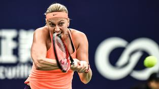 Petra Kvitová porazila Barboru Strýcovou a je v semifinále malého Turnaje mistryň