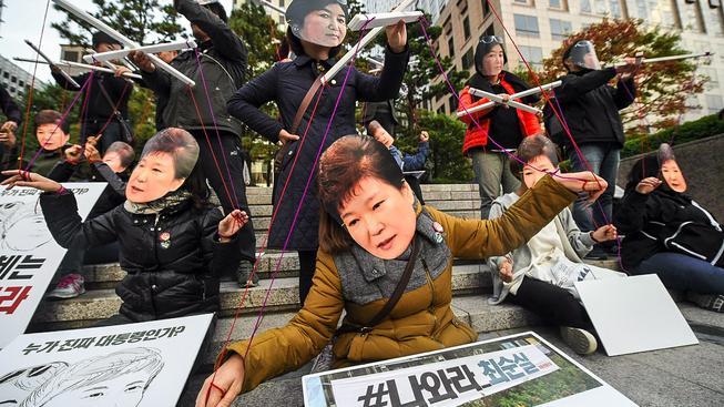 Je jihokorejská prezidentka Pak Kun-hje zcela pod vlivem své důvěrnice?