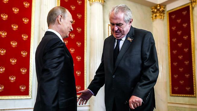 Zemana jeho odpůrci obviňují z příliš vřelého přístupu k Moskvě, ruský text je však spíš snůškou nesmyslů