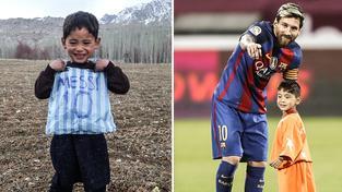 Afghánský chlapec dojal svět svým dresem z igelitky. Od Messiho dostal neskutečný dárek, fotbalista ho vzal s sebou na hřiště