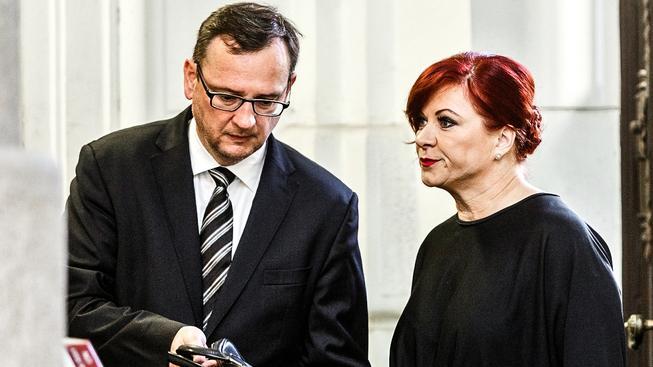 V další kauze Jany Nečasové (Nagyové) je obviněn i její manžel, bývalý premiér Petr Nečas