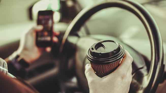 Proč si kupovat auto nabité elektronikou v době smartphonů? Ilustrační snímek