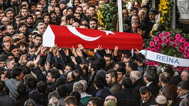 Při útoku zemřelo 39 lidí, z toho 12 Turků