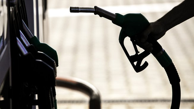 K současnému značení paliva na stojanech přibudou nové nálepky. Ilustrační snímek