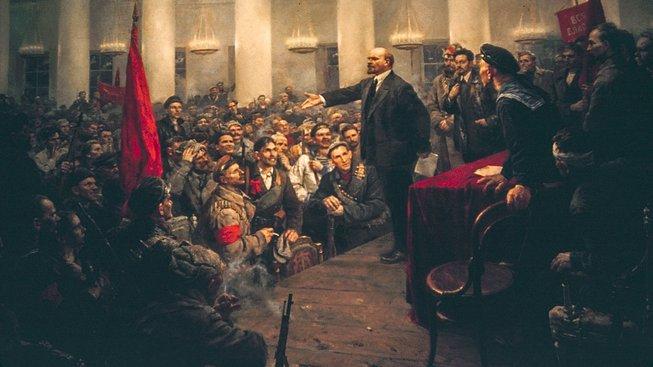 Lenin řeční na druhém všeruském sjezdu v roce 1917