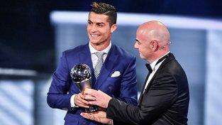 Ronaldo ovládl anketu FIFA počtvrté v kariéře a navázal na triumfy z let 2008, 2013 a 2014