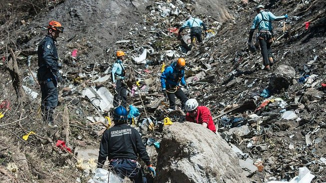 Zaměstnanci Roberta Jensena nechyběli ani při prohledávání trosek po nárazu letadla společnosti Germanwings do Alp v březnu 2015