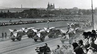 Odtajněné dokumenty se týkají i vojenského vybavené československé armády