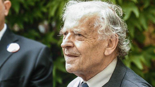 Premiér Bohuslav Sobotka odmítl jmenovat Karla Srpa členem Etické komise pro ocenění účastníků odboje a odporu proti komunismu