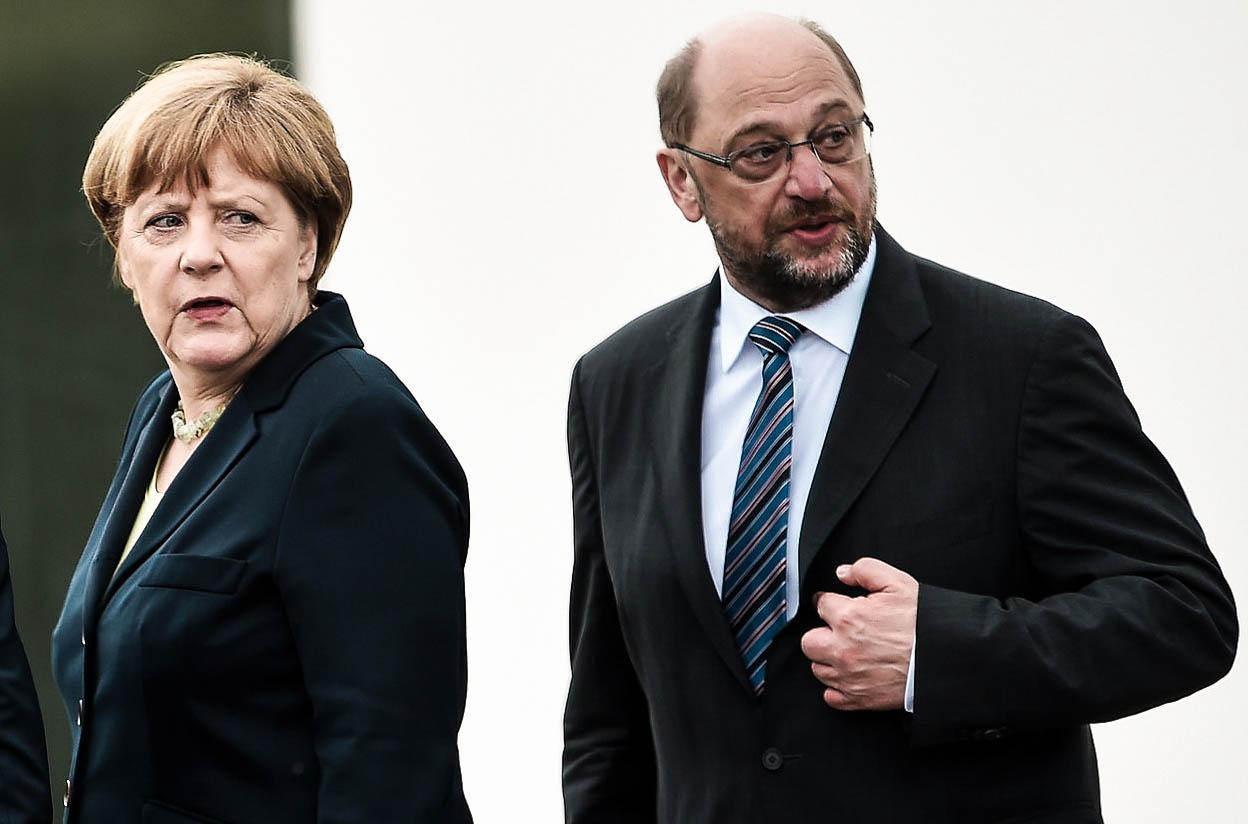 Merkelovou vyzve na souboj muž, který 'vypadá jako Lenin a mluví jako Hitler'