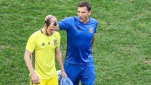 Ukrajinský fotbalista Roman Zozulja (vlevo) zažil nevídaný konec ve španělském klubu kvůli omylu novinářů a horkokrevným fanouškům