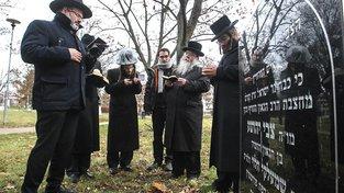 Setkání rabínů u příležitosti 200. výročí úmrtí vrchního prostějovského rabína Horowitze proběhlo u hrobu na Studentské ulici v Prostějově. Ilustrační snímek