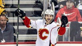 Michael Frolík se podílel jedním gólem na výhře hokejistů Calgary nad Pittsburghem 3:2 po samostatných nájezdech