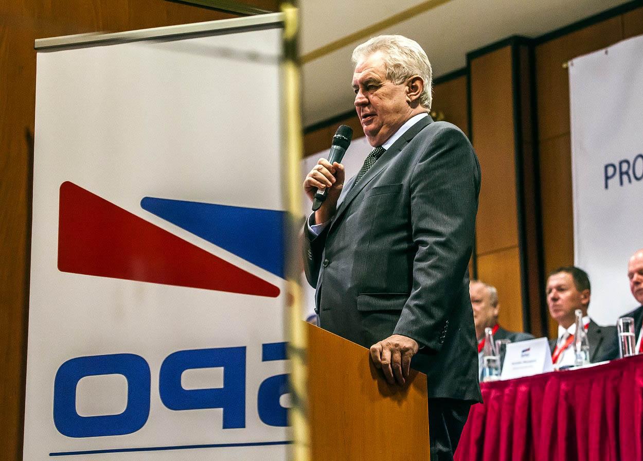 Komentář: Miloš Zeman se zamiloval a ČSSD nesmí žárlit