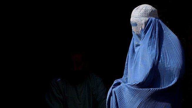 Příliš vzrušení si afghánští muži minimálně v ulicích neužijí