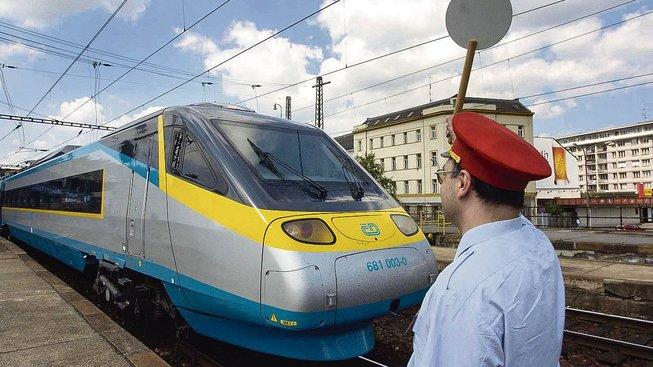 Poslanci chtějí výrazně zrychlit české železniční tratě (Ilustrační snímek)