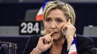 Šéfka francouzské krajní pravice Marine Le Penová přišla v Evropském parlamentu o imunitu