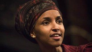Ilhan Omarová se narodila v Somálsku. Teď zasedá v minnesotské Sněmovně reprezentantů