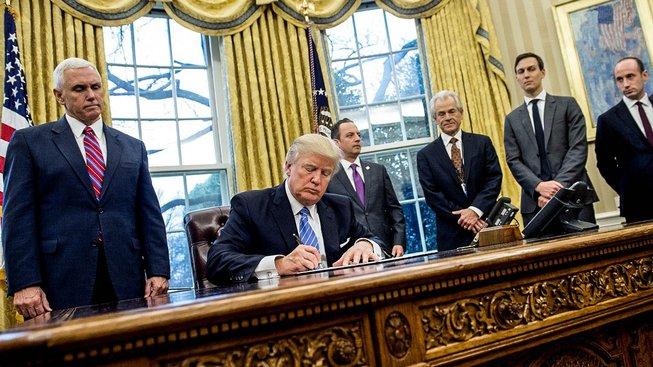 Americký prezident Donald Trump podepsal novou verzi protimigračního dekretu