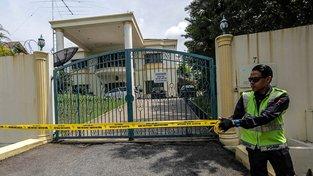 Poté, co KLDR zakázala malajsijským občanům opustit své území, zareagovala Malajsie stejně. Podezřelí z vraždy bratra severokorejského vůdce se ukrývají na ambasádě v Kuala Lumpuru (na snímku)