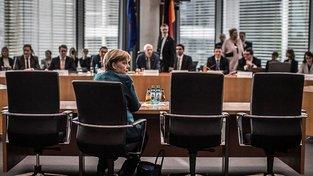 Angela Merkelová před parlamentní vyšetřovací komisí