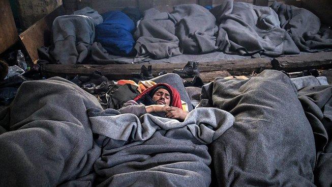 V Srbsku uvízly tisíce uprchlíků