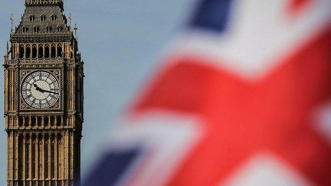 Pokud vše půjde podle plánu, za dva roky bude nad Londýnem vlát už jen britský vlajka, evropská zmizí