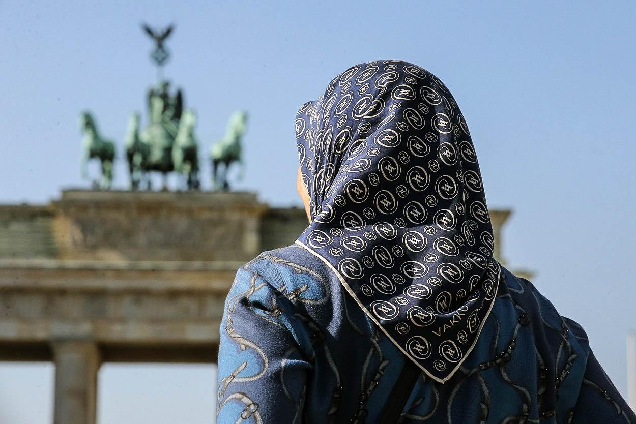 Komentář: Muslimky si v Evropě mohou vybrat: cudnost, anebo práci