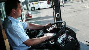 Dopravní odboráři hrozí stávkou linkových autobusů kvůli nízkým mzdám. Ilustrační snímek