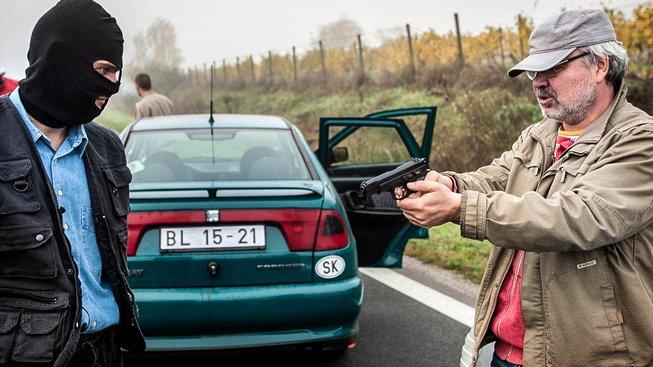 Natáčení filmu o únosu Kováče ml., který režíroval Vlado Fischer (vpravo)
