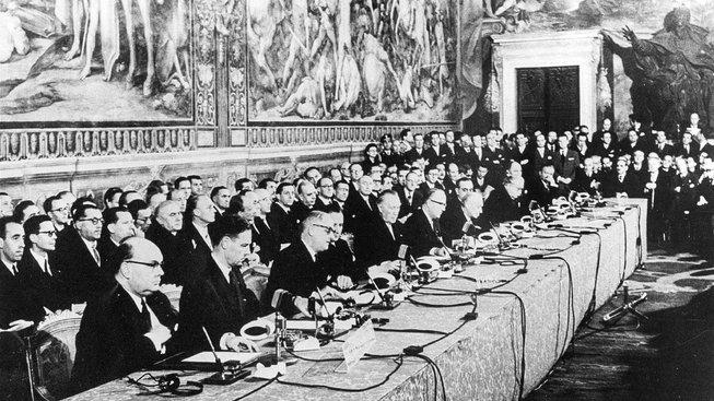 Historický okamžik podpisu Římských smluv