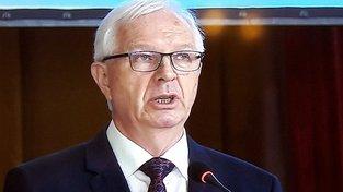 Končící šéf Akademie věd Jiří Drahoš během svého projevu v Národním domě
