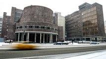 Slavnou budovu od Le Corbusiera v Moskvě ohrožuje obchodní středisko