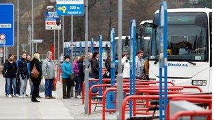 Ve čtvrtek 6. dubna se cestující linkových autobusů nedočkají. Odbory vyhlásily celorepublikovou stávku
