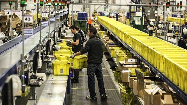Policie kontrolovala legální pobyt v ČR i u zaměstnanců v Amazonu