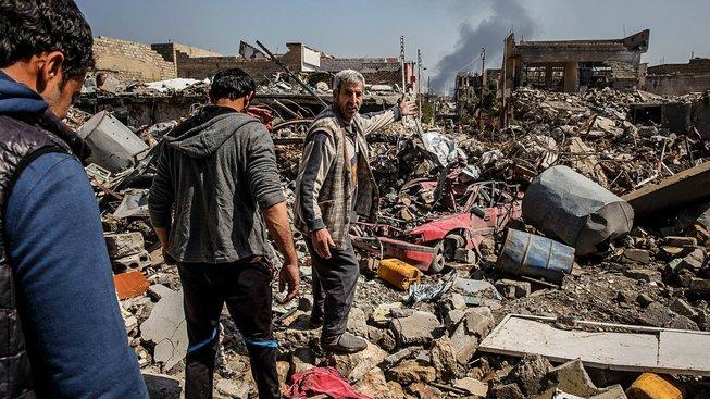 Životy obyvatel iráckého Mosulu ohrožují kromě islamistů i koaliční nálety