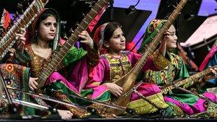 Afghánský ženský orchestr na vystoupení v Davosu
