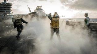 Na palubě letadlové lodě Carl Vinson