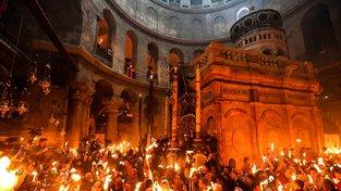 Liturgie Svatého ohně v chrámě Božího hodu