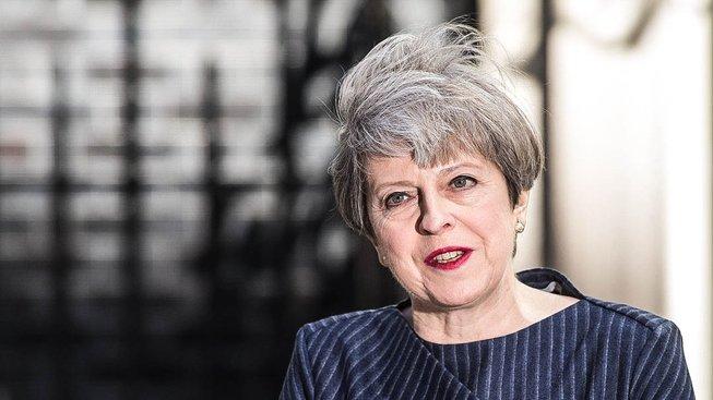 Theresa Mayová dnes oznámila, že chce předčasné volby