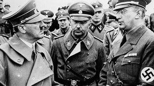 Adolf Hitler, Heinrich Himmler a Konrad Henlein v Chebu v říjnu 1938
