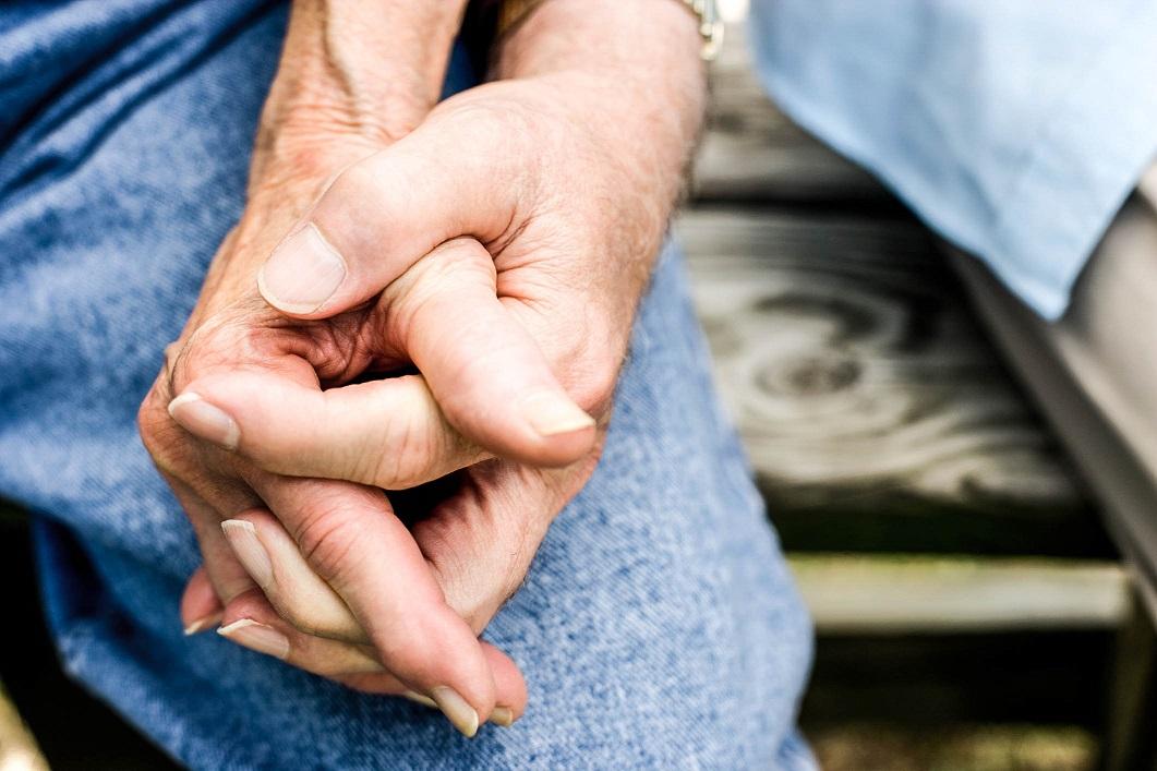 Za partnery si vybíráme spíš vzdálené příbuzné než úplné cizince