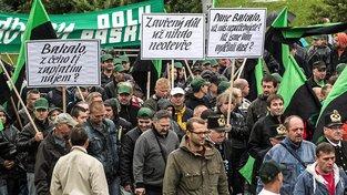 Podobnou demonstraci proti Bakalovi, která proběhla v září 2013 v Ostravě, chystá ve švýcarském Nyonu miliardář Krúpa