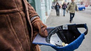 Chudoba zdaleka netrápí jen rozvojové země, stovky tisíc lidí ji znají na vlastní kůži i v Česku